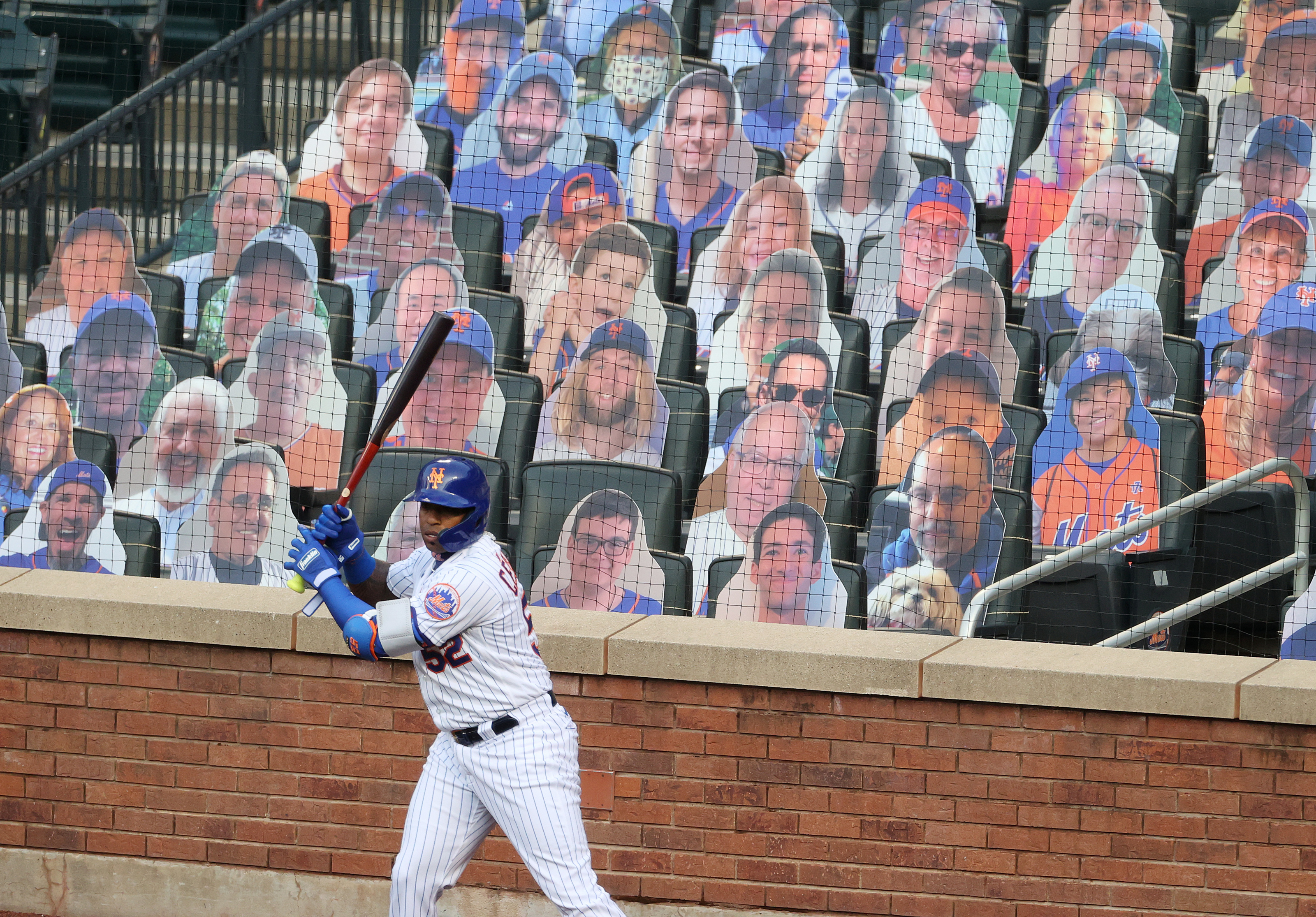 New York Mets Cardboard Cutouts Of Fans You Can T Be Serious