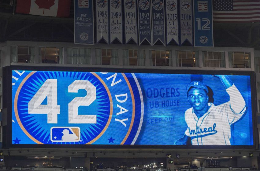 top  mlb players   jackie robinson  wear number